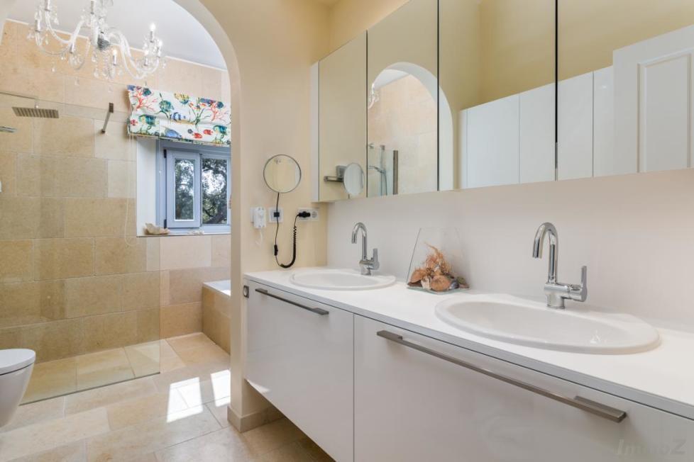 2nd_Bathroom_1