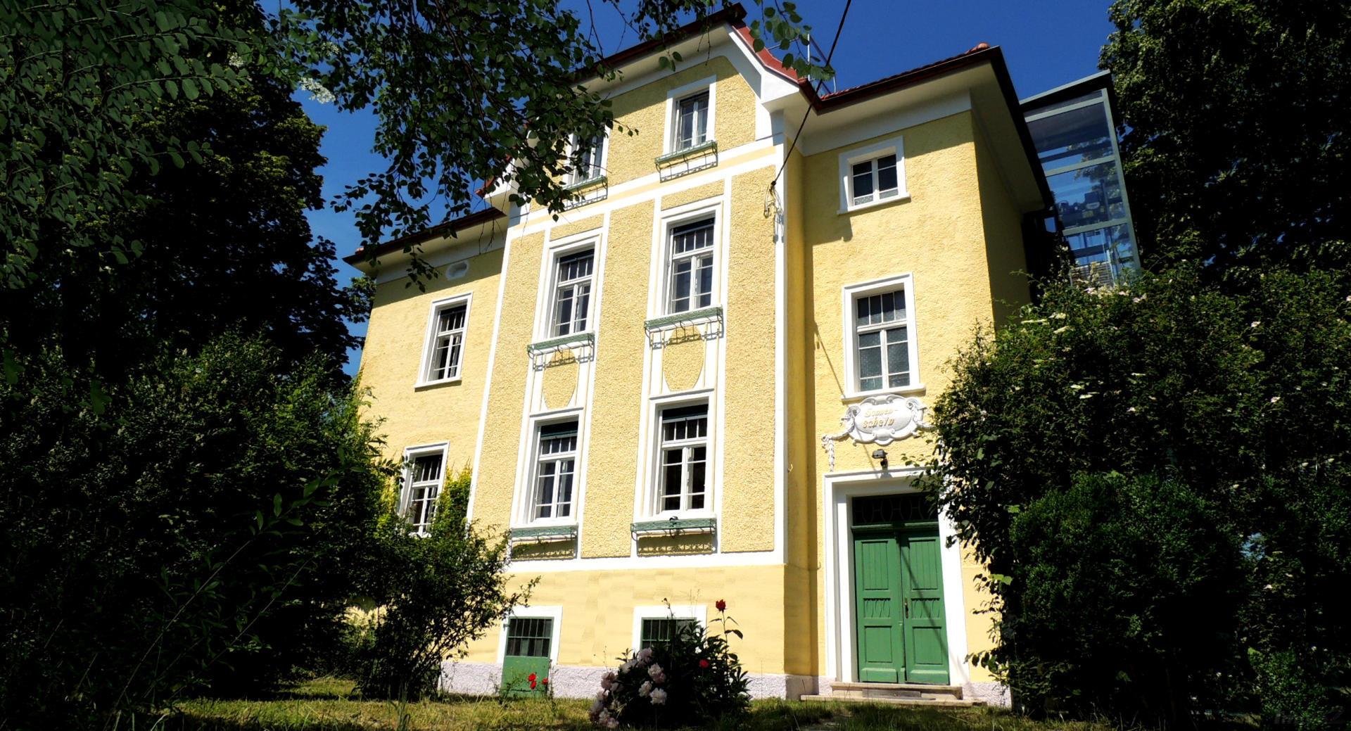 Villa groß